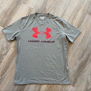 Under Armour heat gear tee loose size LG